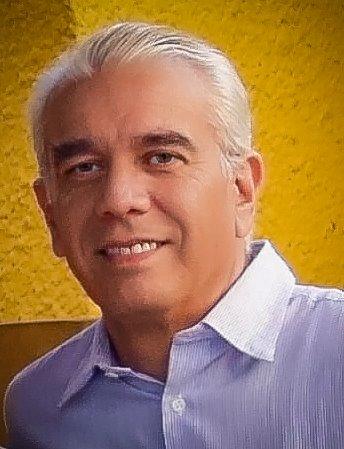 Carlos Ruiz por Guillermo Rivas
